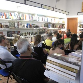 Cagliari, Libreria Murru, 24 luglio, ore 19:00, Scriviamo…nonostante tutto – Reading degli allievi del IV Corso di Scittura CreAttiva – ScriviAmo, il pubblico attento